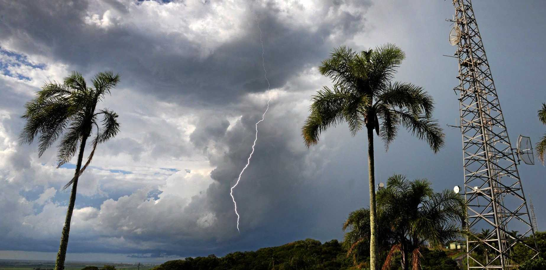 HUMMOCK LIGHTNING: A thunder storm passed over Bundaberg yesterday afternoon. Photo: Mike Knott / NewsMail