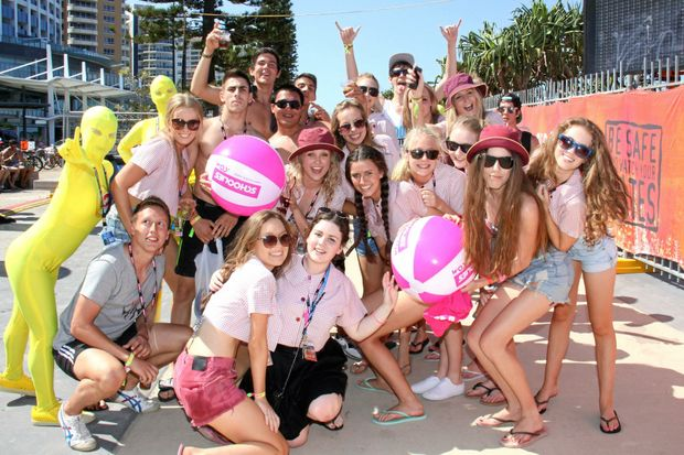 Schoolleavers prepare to party on the Gold Coast for Schoolies 2016