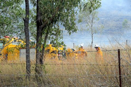 Emergency Services fight a bushfire near New Zealand Gully Rd, New Zealand Gully (Mt Chalmers).