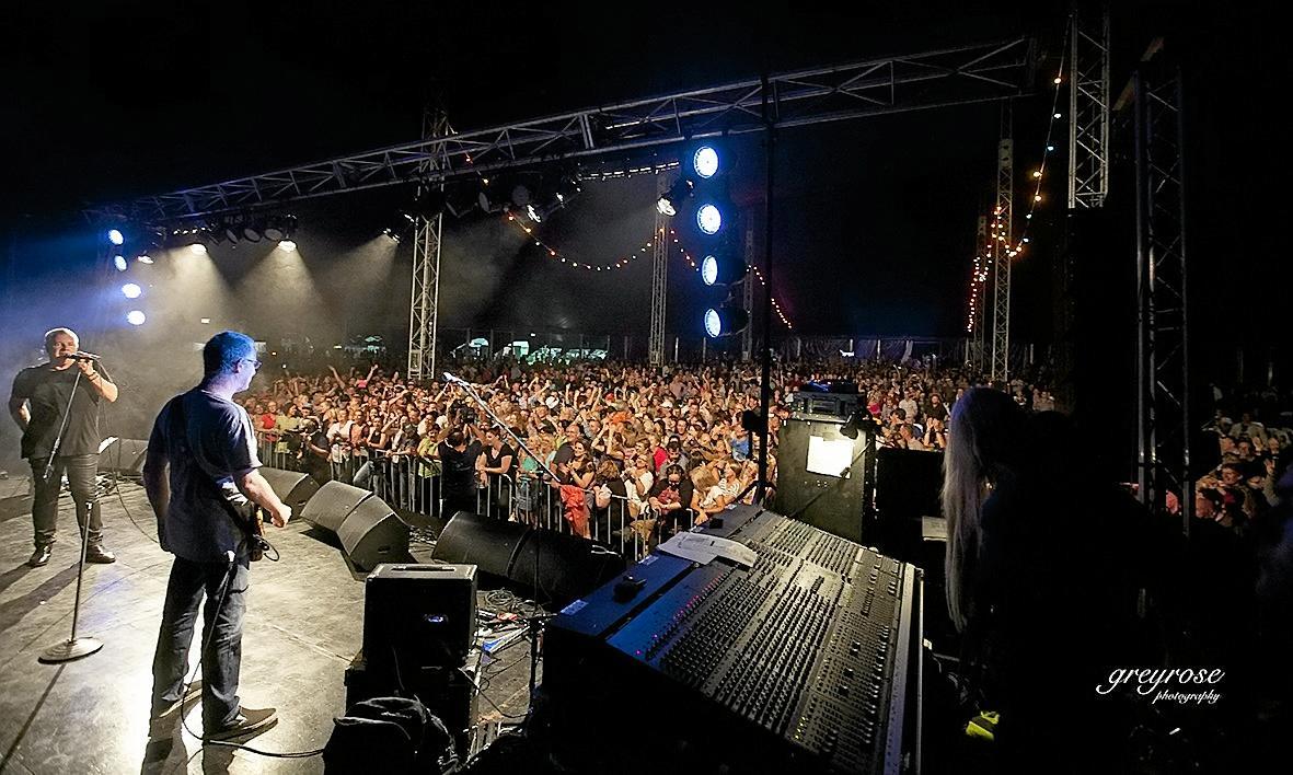 THE SHOW WON'T GO ON: Darryl Braithwaite rocks the crowds at Stanthorpe Rocks 2015.