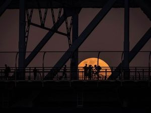 Supermoon: Some of the best photos from Qld