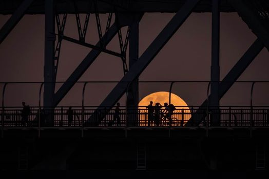Jennifer Dudley-Nicholson captured this amazing photo of the supermoon behind the Story Bridge in Brisbane.