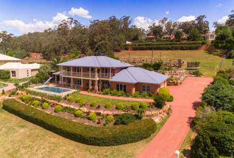 11-13 Kara View Court Rangeville Qld 4350 is for sale.