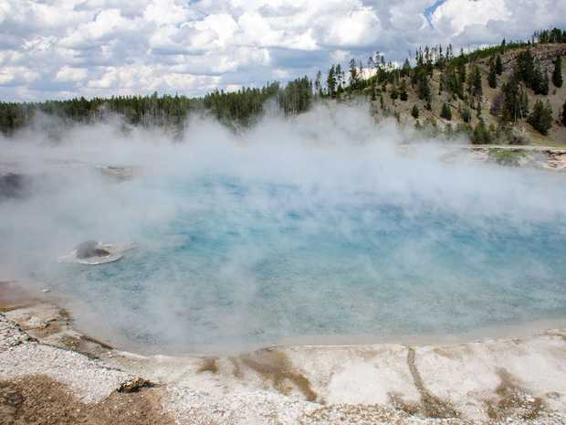 One of the thousands of hot springs in Yellowstone National Park in the United States. Photo by Flickr user m01229.