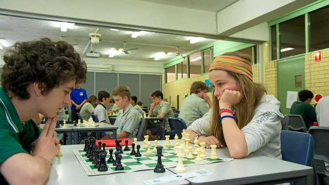 Lachlan Robertson from Kadina High School and Carla Ryan from South Grafton High School at the 4th  inter-school regional tournament.