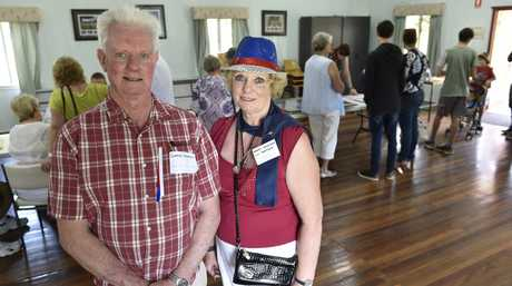 Wendy Jackson and Gordon Hampson. Pioneering families reunion at Rose Cottage, Newtown Park. November 19, 2016