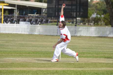 Iluka bowler Dean Bartlett during the LCCA match between Maclean United and Iluka at Yamba Oval on Saturday, 19th November, 2016.