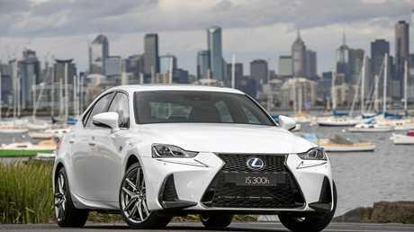 2016 Lexus IS 300h F Sport