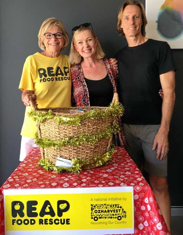 Michele Lipner, REAP Sunshine Coast, Tarn Davies of Peregian Shares and Cares with Steve Bright, Pool Café Peregian Springs