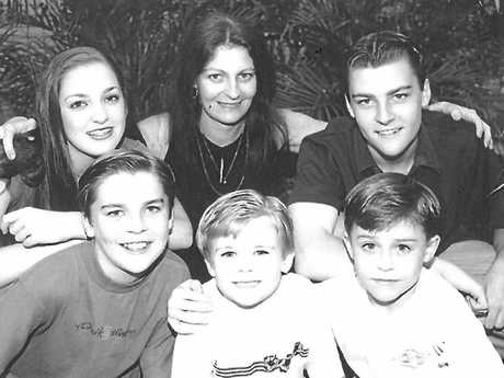 Gretel Scarlett with mum Leanne and brothers Reuben, Walt, Gabe and Denzel were featured in The Morning Bulletin in 2002 before they moved to Sydney.