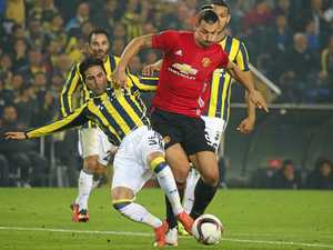 Ibrahimovic set to extend Man Utd deal