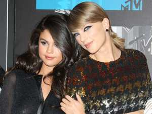 Selena Gomez turned down thanksgiving with  Taylor Swift