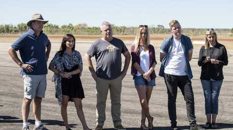 David Oldfield, Natalie Imbruglia, Ian 'Dicko' Dickson, Renae Ayris, Tom Ballard and Nicki Wendt in a scene from the TV series First Contact.