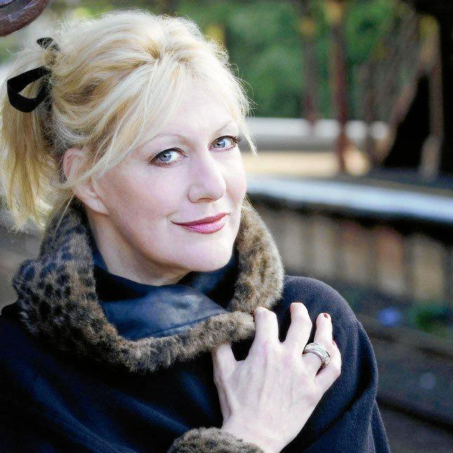 Renee Geyer will perform at Twin Towns Services Club on April 18.