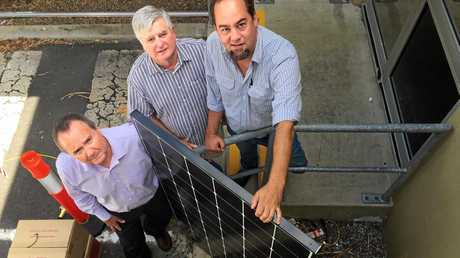 GOING SOLAR: Byron Bay Services Club Secretary manager David Green and President Dr Brian Tibbett with Juno Energy's Andy Turnbull.