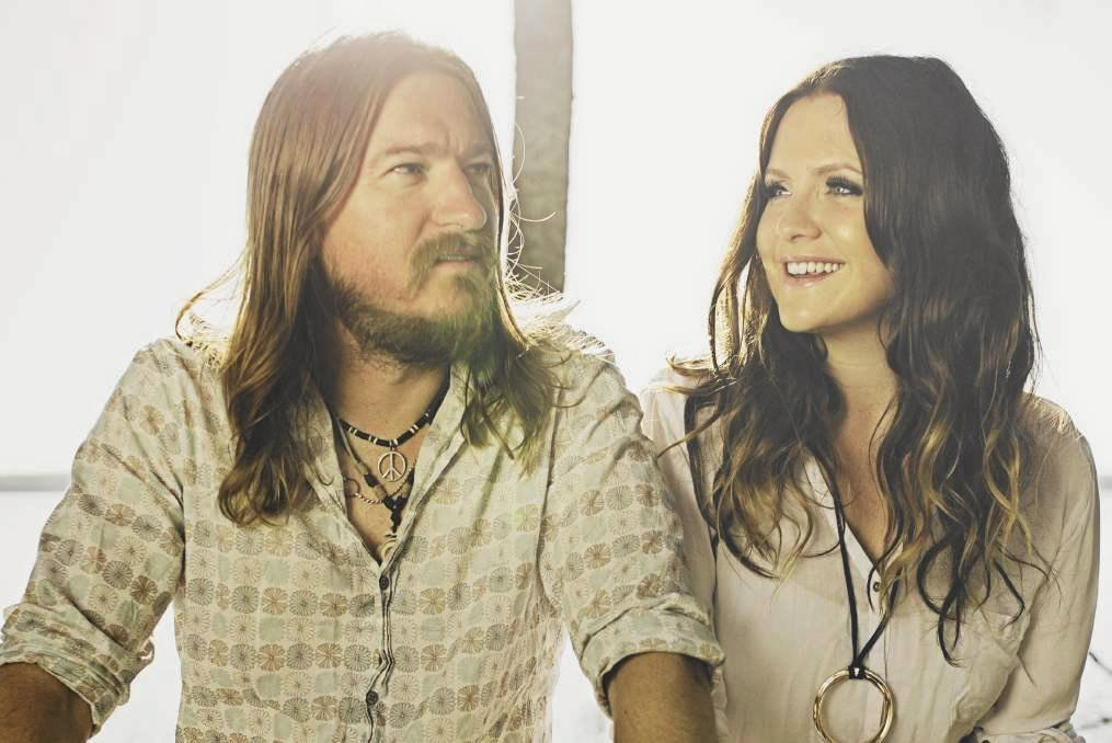 Husband and wife Adam Eckersley and Brooke McClymont are playing at home this weekend for an intimate gig at the Pelican Playhouse.
