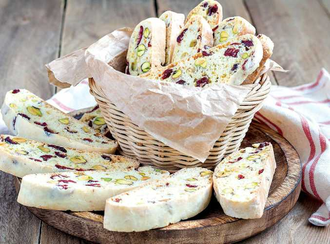 These pretty Christmas biscotti make an ideal gift.