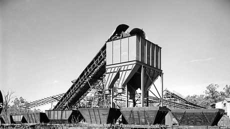 Coal Loader at Box Flat Extended No. 5 Colliery, Swanbank in 1958