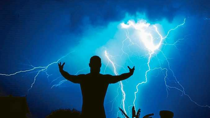 16afa269d102 How to protect yourself during a lightning storm