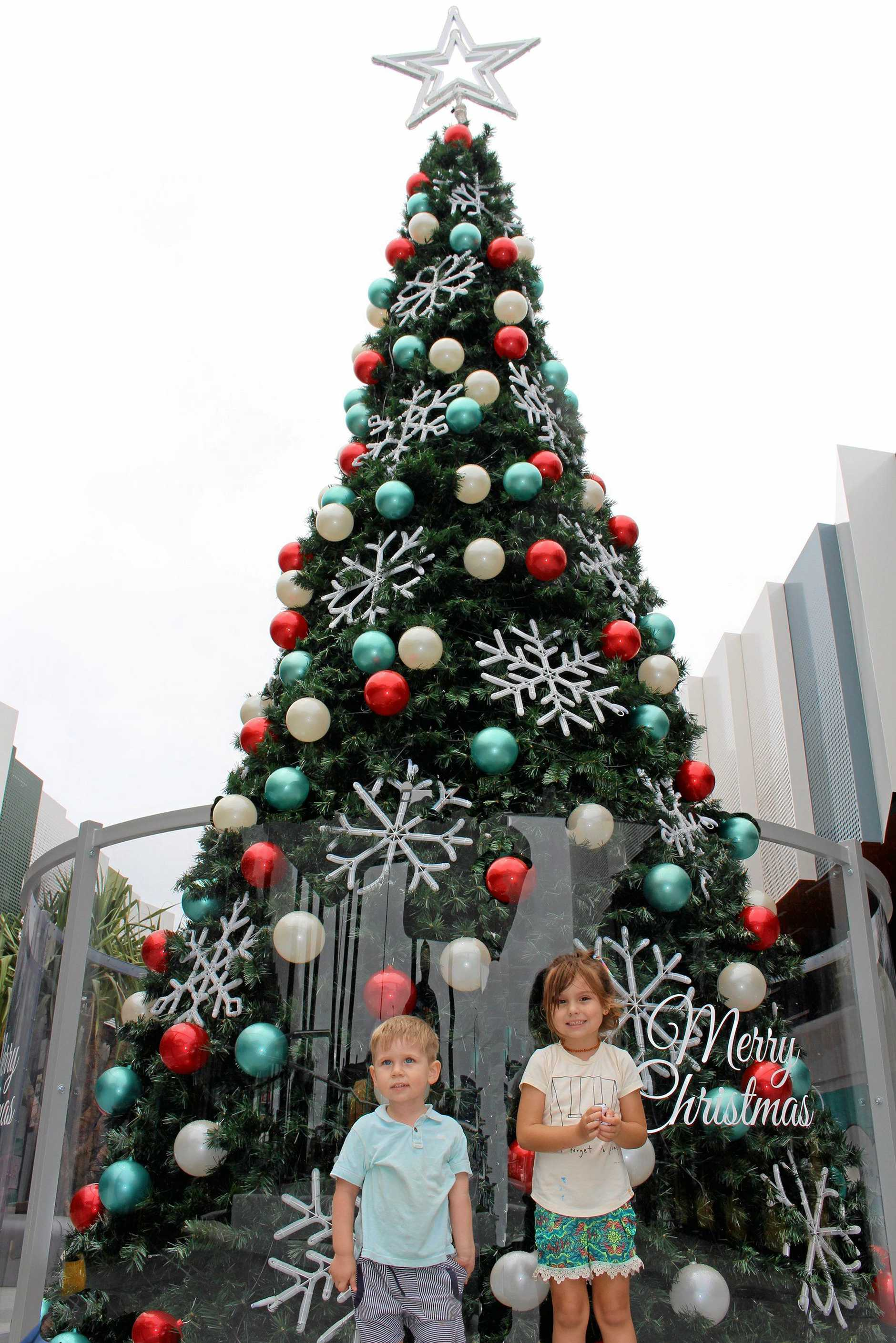 Christmas tree etch