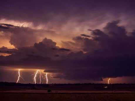 Extreme weather chaser Thomas Hinterdorfer captured this cracker of a photo at Stanthorpe. Source: Higgins Storm Chasing / Facebook