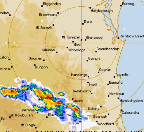Dangerous thunderstorms roll towards the Sunshine Coast.