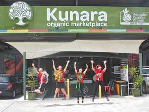 Christmas comes to Kunara marketplace