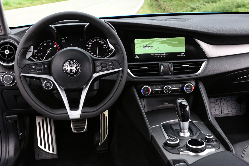 Left-hand drive cabin of an Alfa Romeo Giulia Veloce (overseas model).