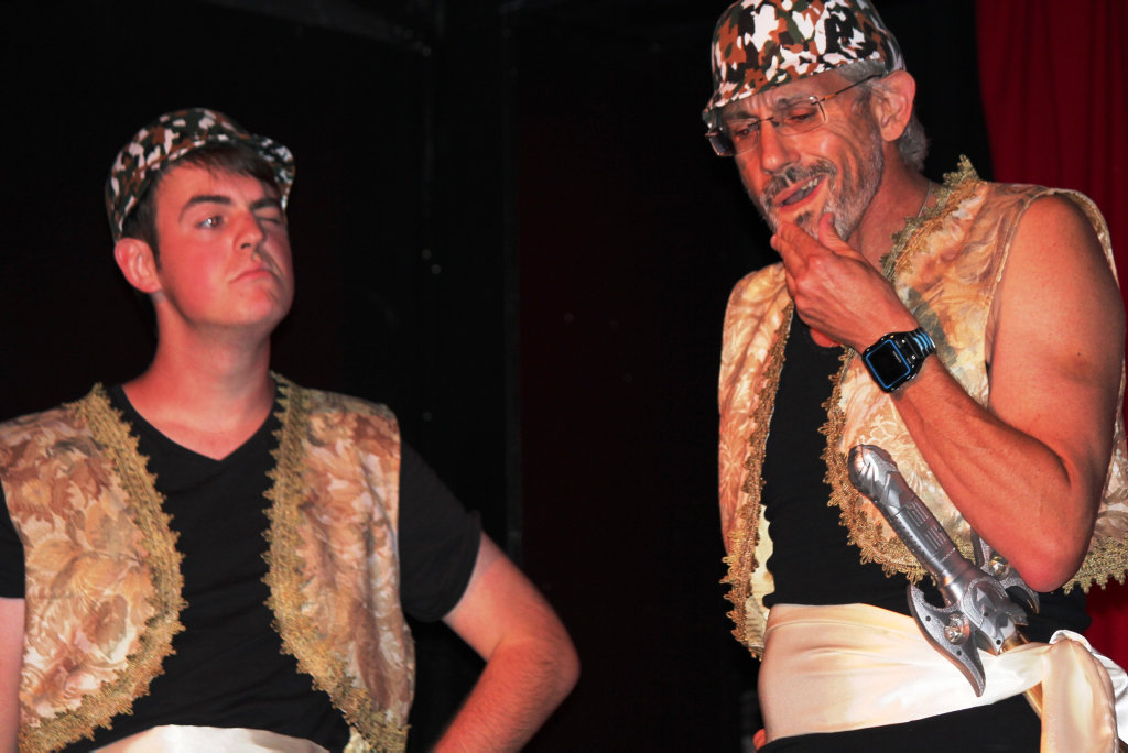 1001 ARABIAN NIGHTS: The guards played by Danny Moller and Shane King.