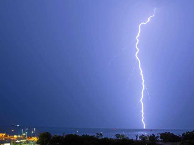 Storm Chaser Struck By All Things Lightning Rural Weekly - Storm chaser gets struck lightning films