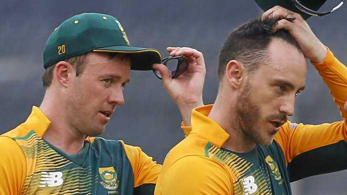South Africa's AB de Villiers (left) and Faf du Plessis.