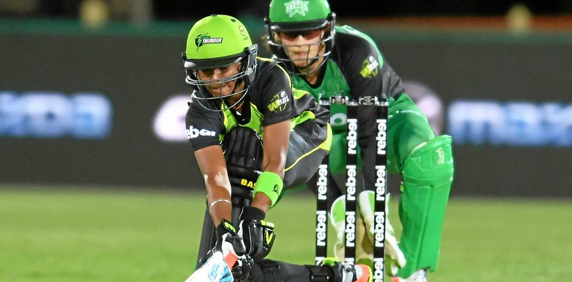 Harmanpreet Kaur in action for the Sydney Thunder against the Melbourne Stars.