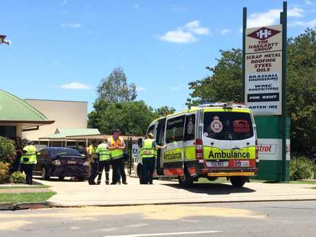 Police and paramedics have been called to treat six people, including two babies, at a crash in West Ipswich.