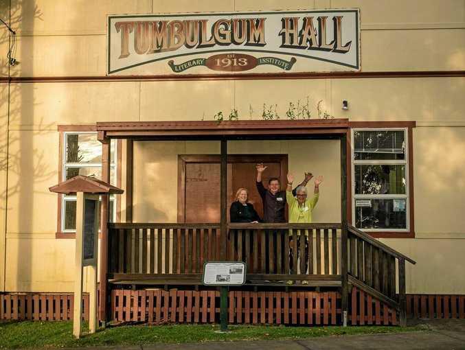 Anne Carkery, Brian Breckenridge and Sue Breckenridge at Tumbulgum Hall.  Photo Jules Ober