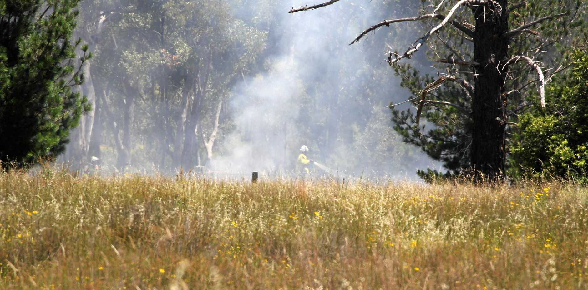 Crews have been called to a grass fire on Old Caves Rd, Stanthorpe.