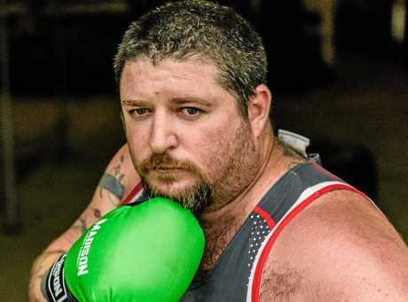 Eddie de Bono gets ready for Grafton fight night.