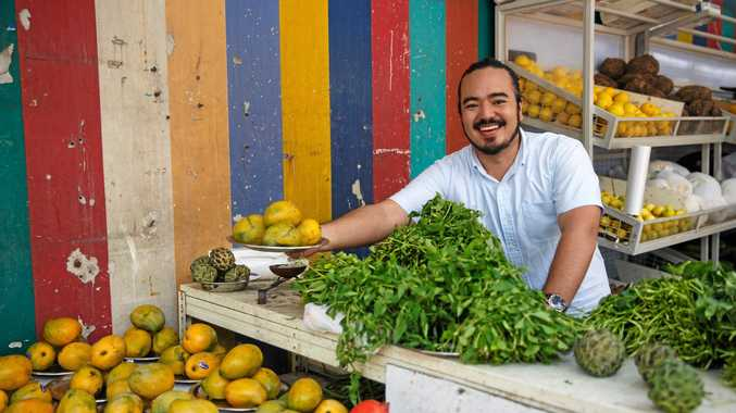 DESTINATION FLAVOUR: Celebrity chef Adam Liaw explores Singapore to reveal the secrets of its cuisine.