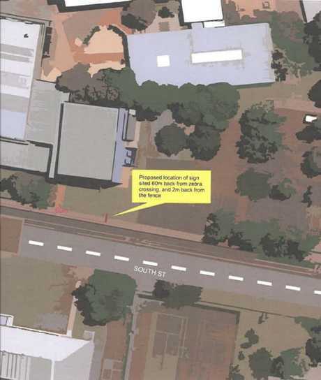 The location of the new sign to be installed on South St. The sign will be about 60m from the zebra crossing and 2m from the fence.