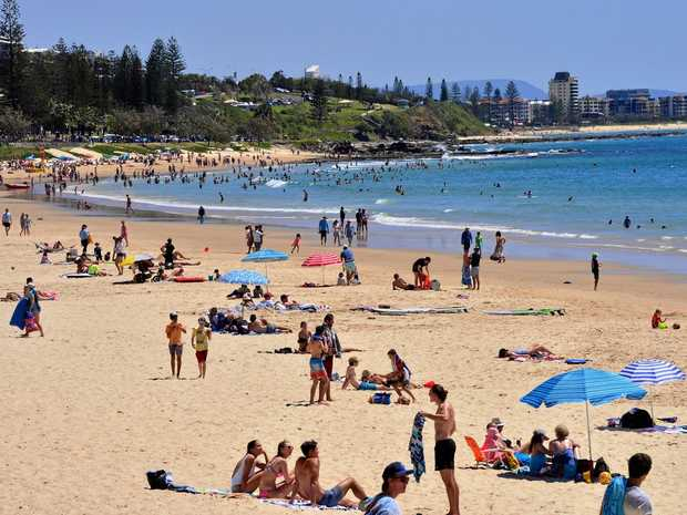 Spring crowds at Mooloolaba Beach.