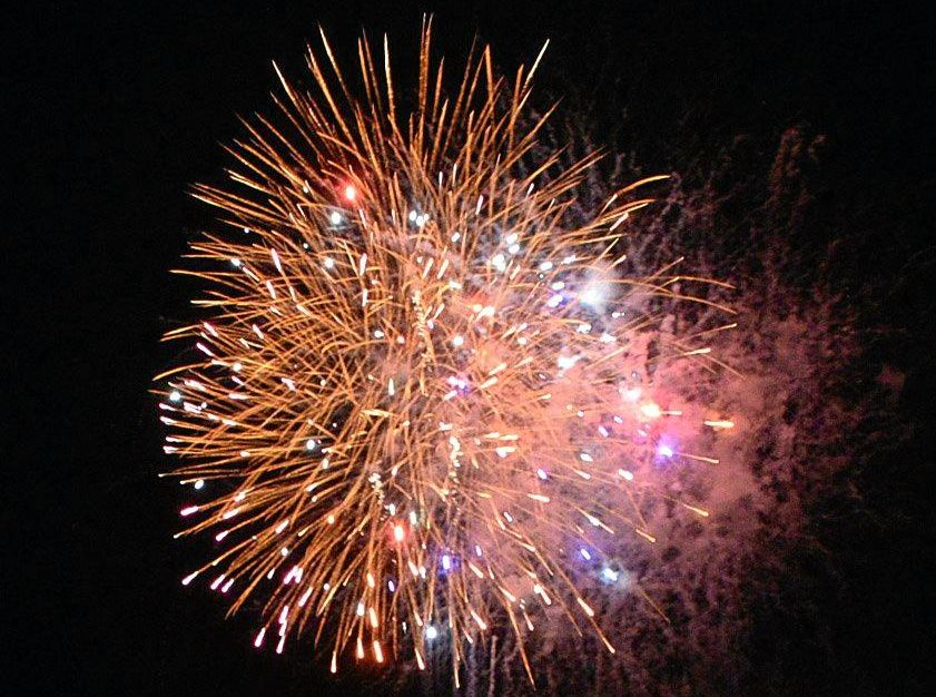 A spectacular fireworks display will be part of the New Years Eve celebrations at the Stanthorpe Showgrounds.
