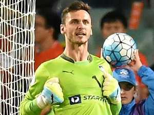 Keeper switches between Sydney rivals