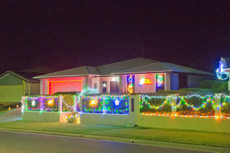 Penda Ave, New Auckland, lights up at Christmas time.