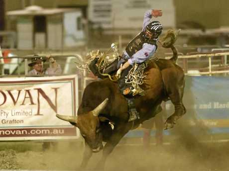 Winner Troy Wilkinson rides Machine on his way to 87 points and the win at the Maclean Twilight Rodeo.