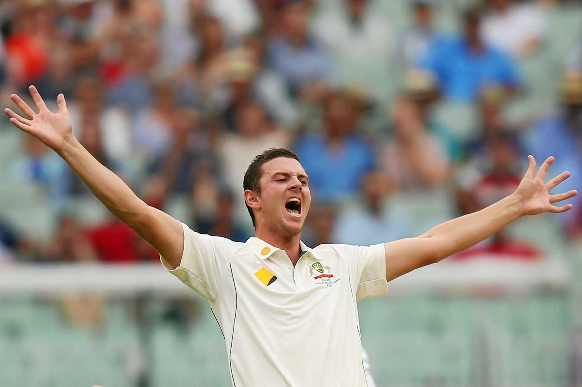Josh Hazelwood of Australia appeals unsuccessfully for the wicket of Asad Shafiq of Pakistan at the MCG.