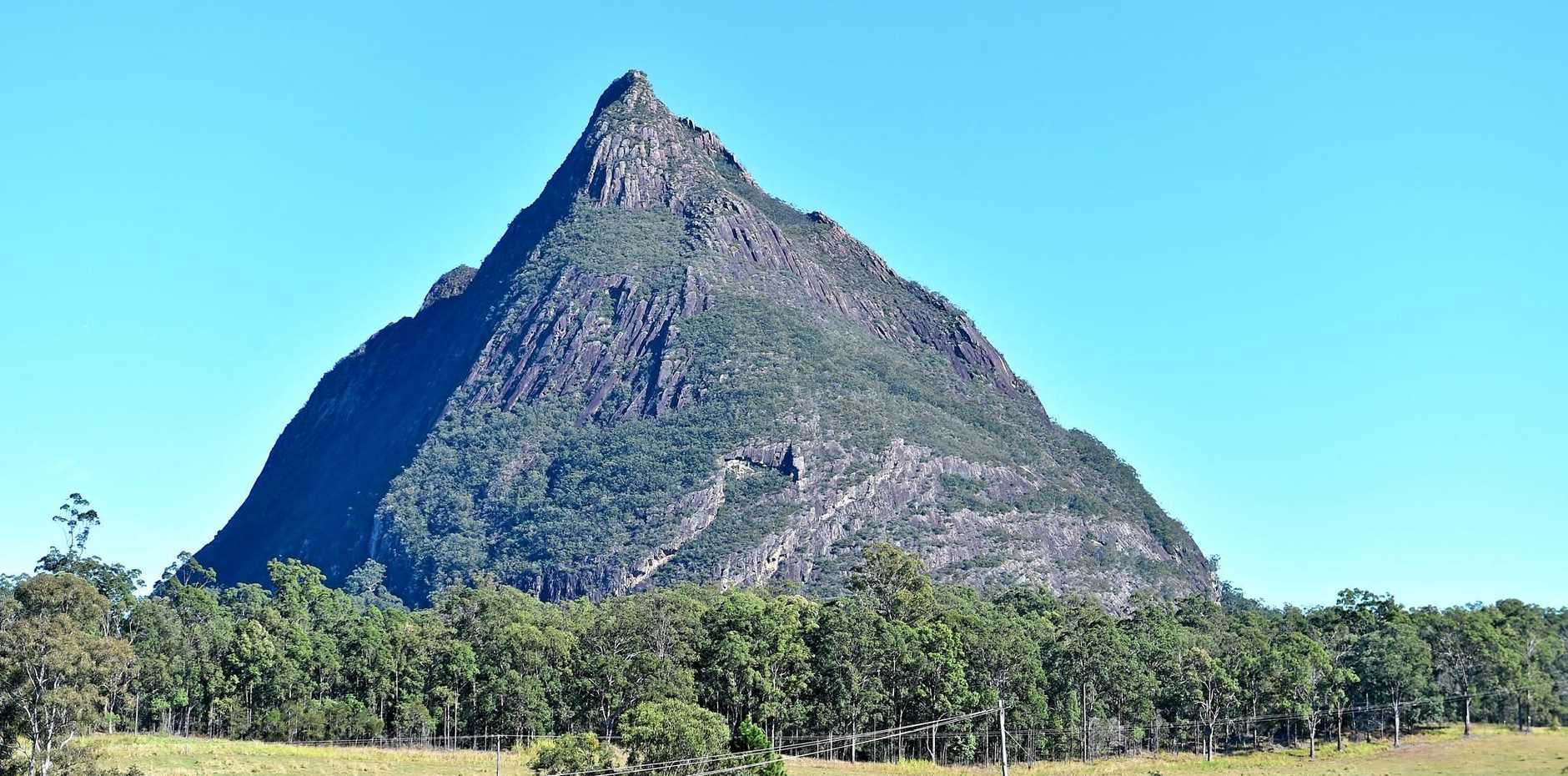 Emergency services are trying to rescue a climber stuck on Mt Beerwah.