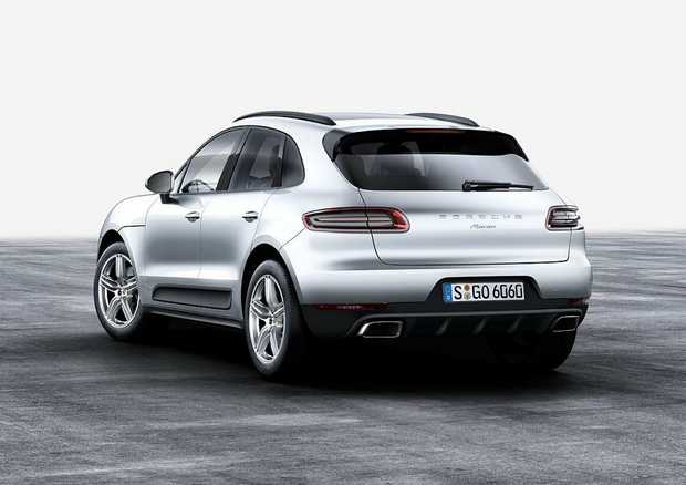 URBAN CRAWLER: 185kW/370Nm four-cylinder Macan is still quick enough to merit the Porsche badge, but probably not the choice of the purist