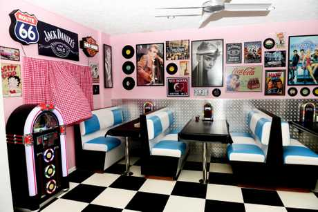 Oh Happy Days New Retro Style Diner Opens Fraser Coast