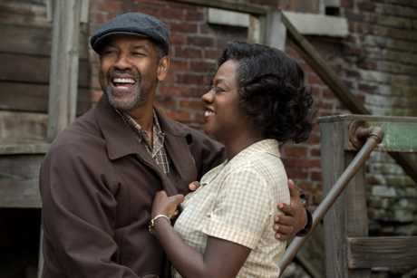 Denzel Washington and Viola Davis in a scene from the movie Fences.