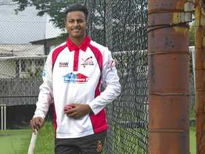 Waqar impresses Test star Renshaw
