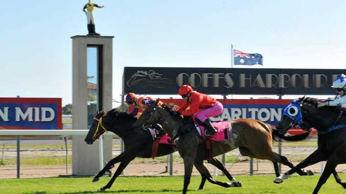 Ben Looker on Friends in Low Places storming home in the 2016 Wayne Glenn Pink Silks Cup.